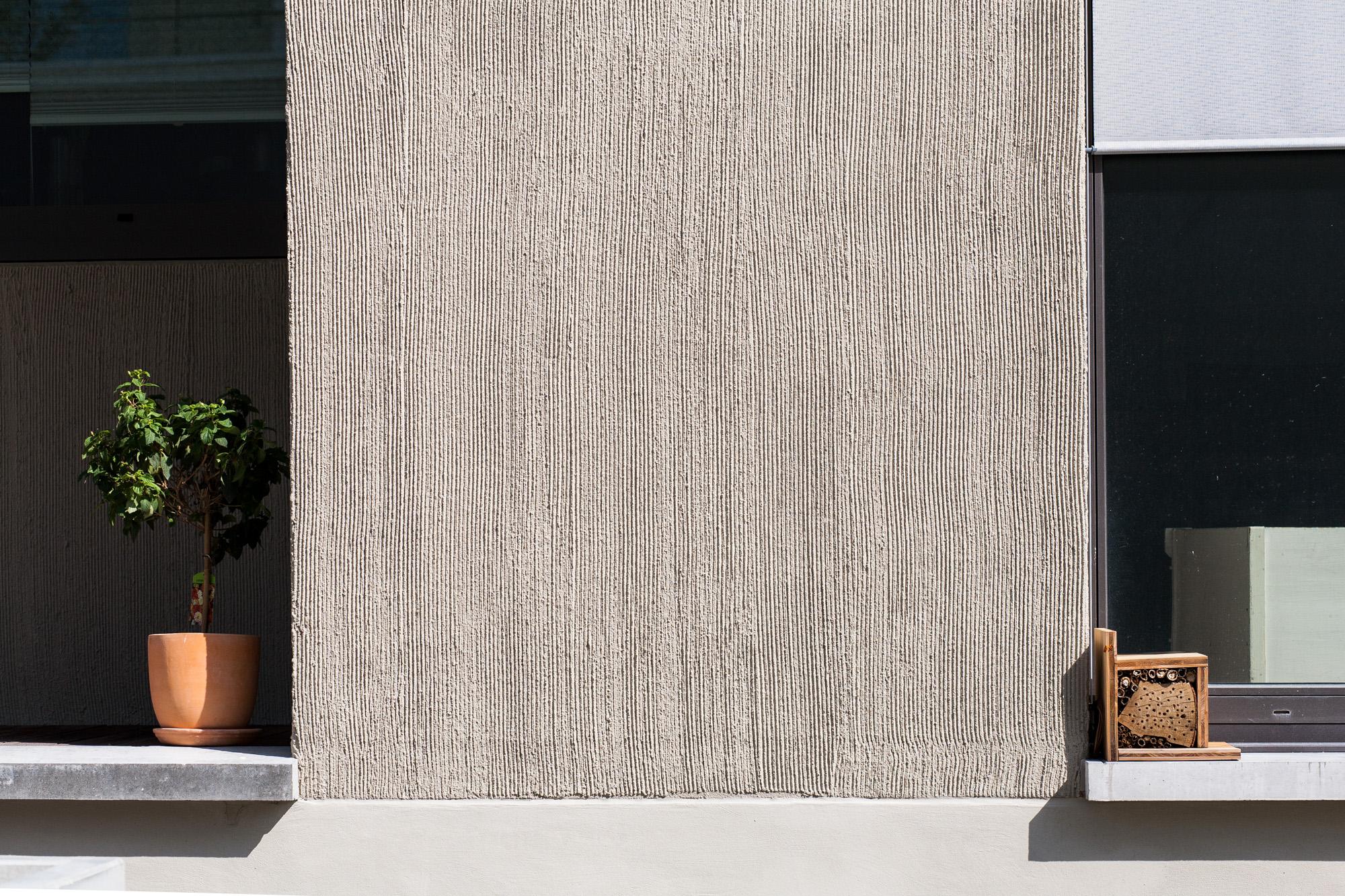 Im Herzen von Bern nahe des Zentrum Paul Klee entstanden städtische Wohnungen an privilegierter Lage. Das neue urbane Wohnquartiert besticht durch die modernen Liegenschaften, welche mit grossen Fensterfronten und lebendigen Innenräumen gestaltet wurden. Die MerzGips AG konnte für das Quartier Schönberg-Ost Fassadenbau ausführen.
