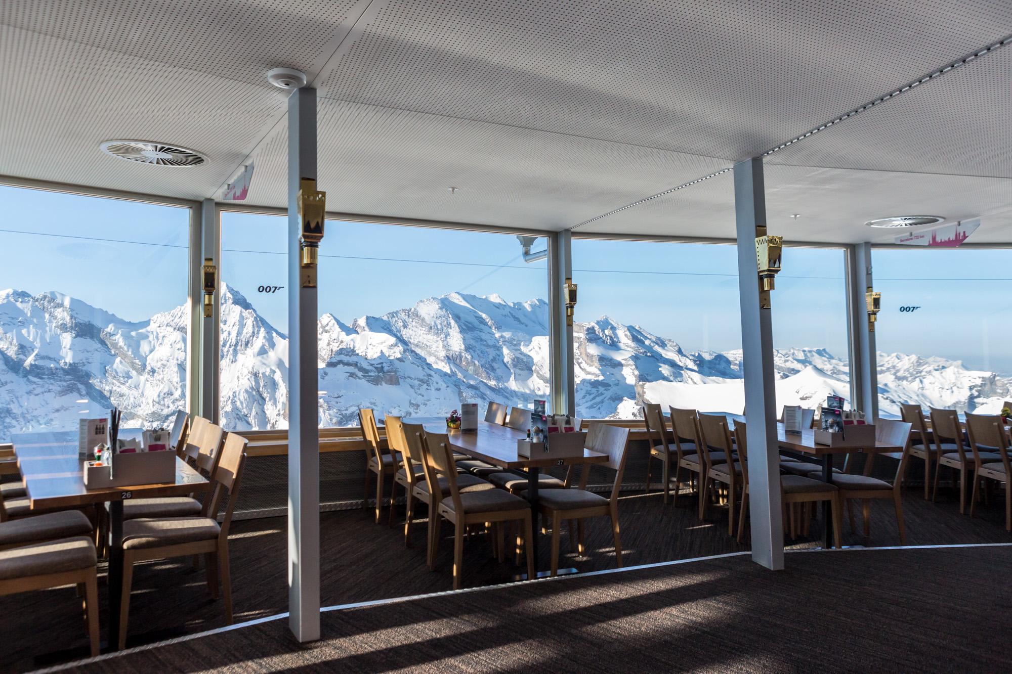 My name is Bond, James Bond. Das geschichtsträchtige Drehrestaurant wurde gesamterneuert. Die MerzGips AG konnte auf dem Gipfel des Schilthorns Gipserarbeiten ausführen.