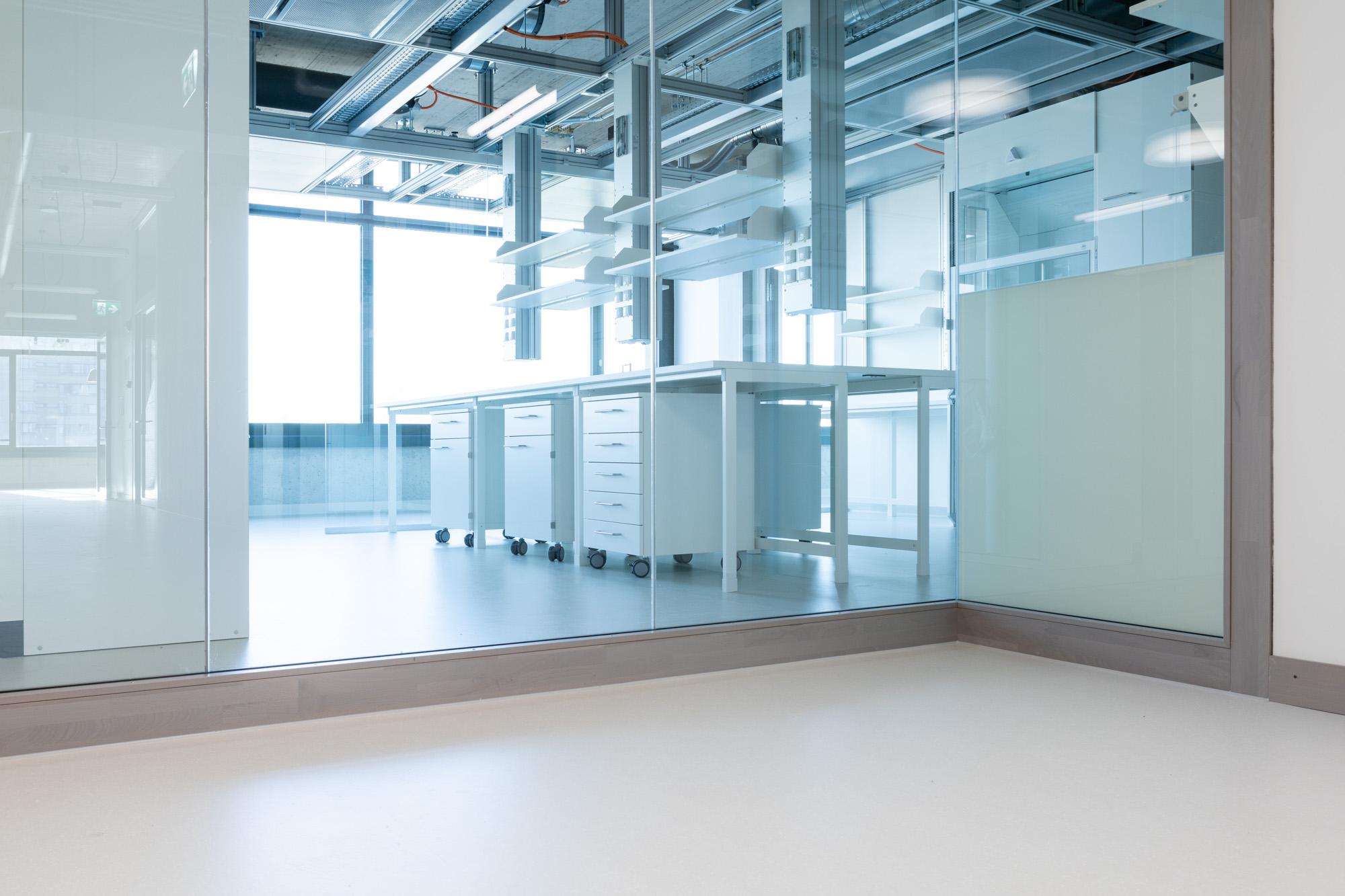 MerzGips AG durfte für das neue rechtsmedizinische Institut der Universität Bern Fassadenbau und Gipserarbeiten ausführen.